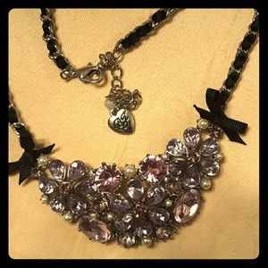 BETSEY JOHNSON Purple Flower Cluster Choker Neckla